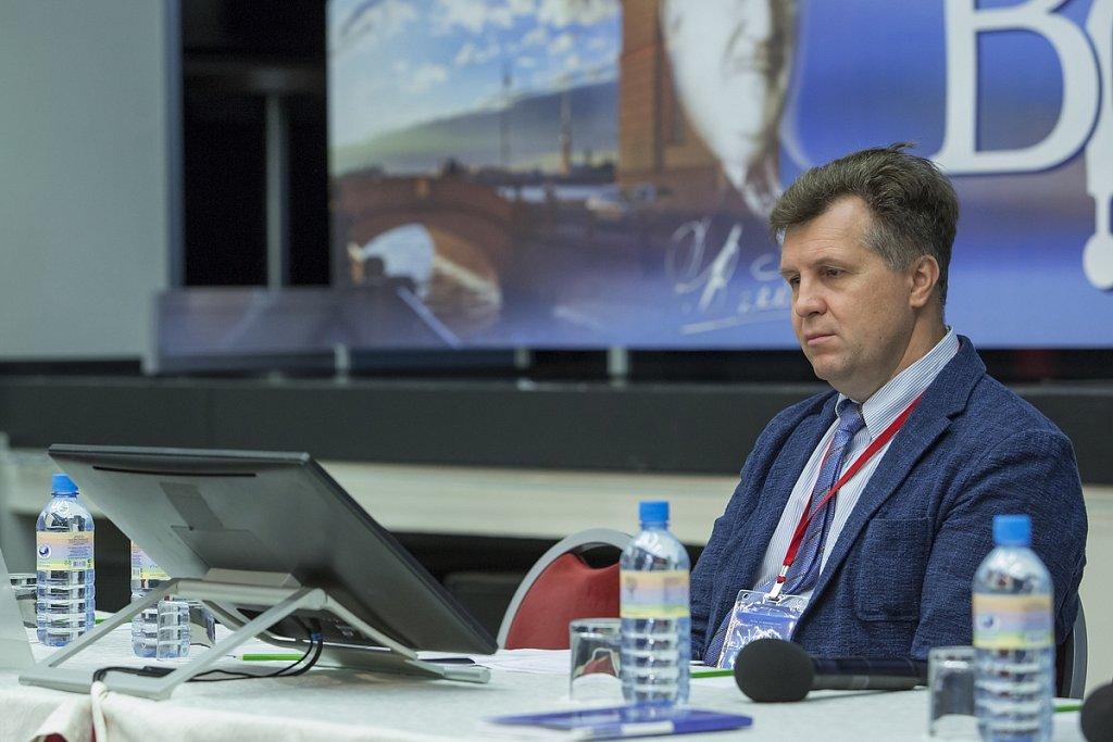 SHUMNOV-2030.jpg